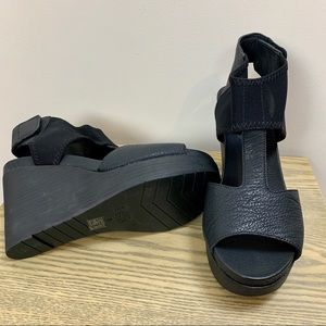 Eileen Fisher Shoes - BNiB Eileen Fisher Leather Dota Wedge Sandals